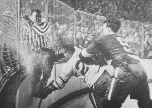 Non-female Gordie Howe a possible example of sexual sports asymmetry?
