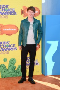 Calum-Worthy-Kids-Choice-Awards-2015-Picture
