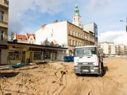Budowa linii tramwajowej w ulicy 11 Listopada (3 kwietnia 2015)