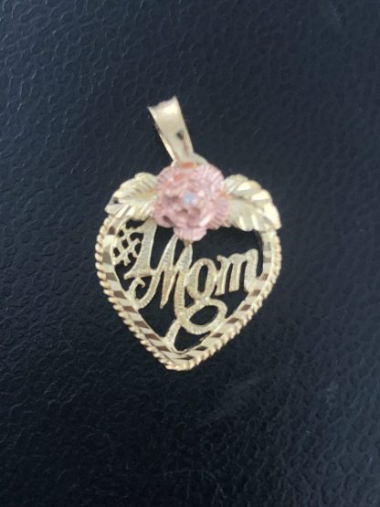10K YELLOW GOLD MOM PENDANT/1.3G