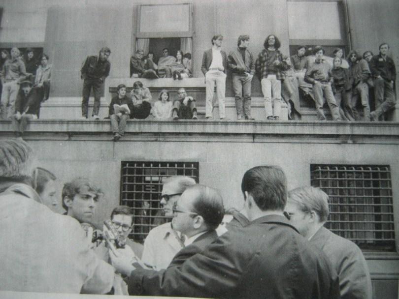 Mike Eisgrau at SDS rally, Columbia Univ. 1968