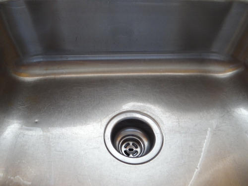 how to clean a stainless steel sink and