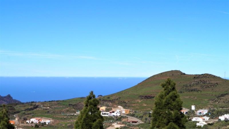 Blick von der Christusstatue auf das blaue Meer