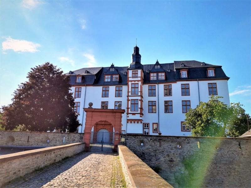 Residenzschloss und Pestalozzischule