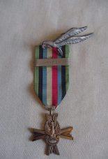Arnhem 1944 Poolse Medaille en parachutisten embleem de tweede wereldoorlog