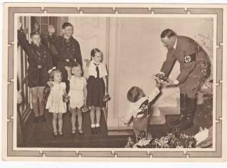 foto Adolf Hitler met kinderen