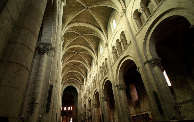 Fontgombault-church-interior