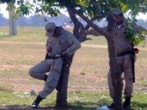 Räuber und Verbrecher bewegen sich ungestört in der Nähe des Regierungspalastes