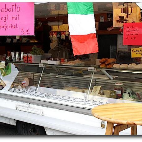 Wochenmarkt Wittenbergplatz - Italia Feinkost