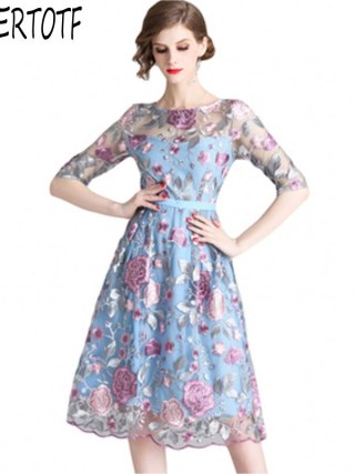 19 spring summer Women Mesh Embroidery half Sleeve Dress Designer Runway Heavy duty embroidered dresses