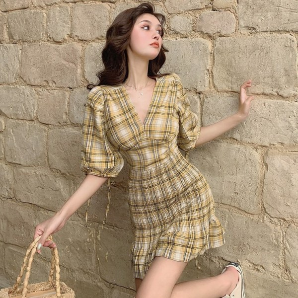 Autumn 19 New V-neck Waistband Hip , Short , Plaid Dress With Half Sleeves, Small Dress