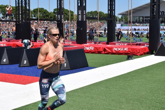 Thuri Helgadottir takes a lap between rounds of legless rope climbs at the 2019 CrossFit Games