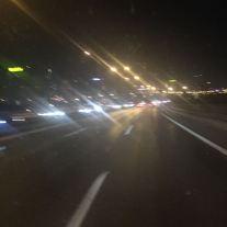 Nachts durch Istanbuls Autobahngewirr