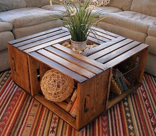 ein tisch aus kisten. Black Bedroom Furniture Sets. Home Design Ideas