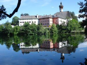 Höglwörther Kloster
