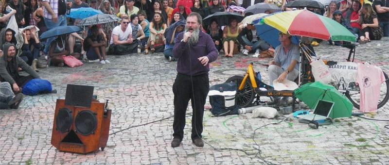 Foto Karaoke im Mauerpark zu Berlin