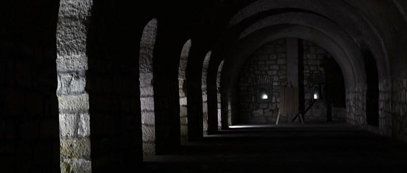 Foto Dunkler Gang in Festung