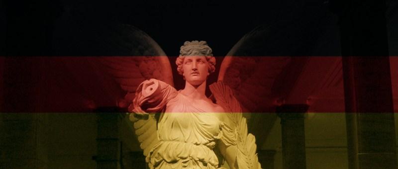 Foto Gefallener Engel unter deutscher Flagge