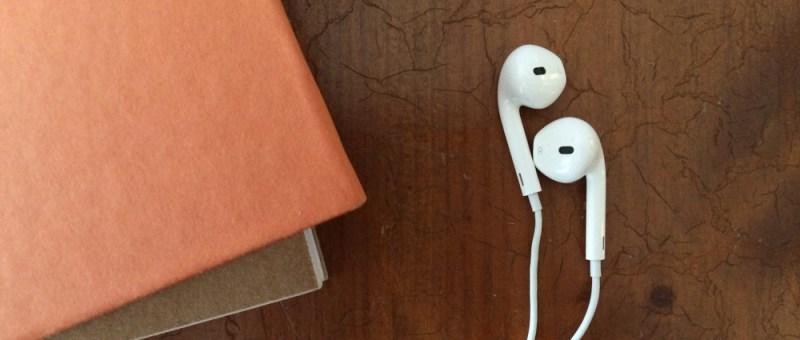 Foto Bücher und Kopfhörer