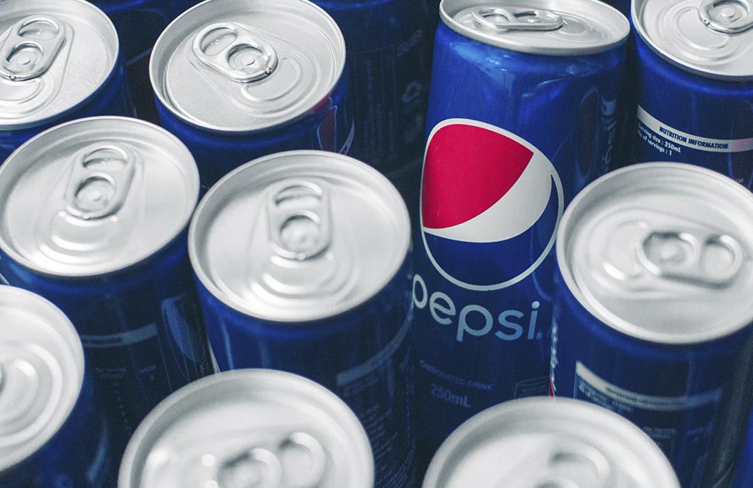 Pepsi cambiará el plástico por latas para su agua embotellada