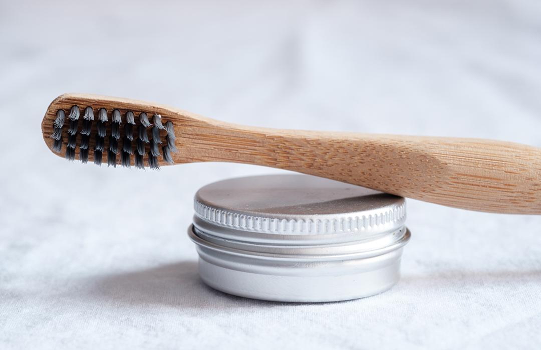 Colgate presenta su cepillo de dientes biodegradable