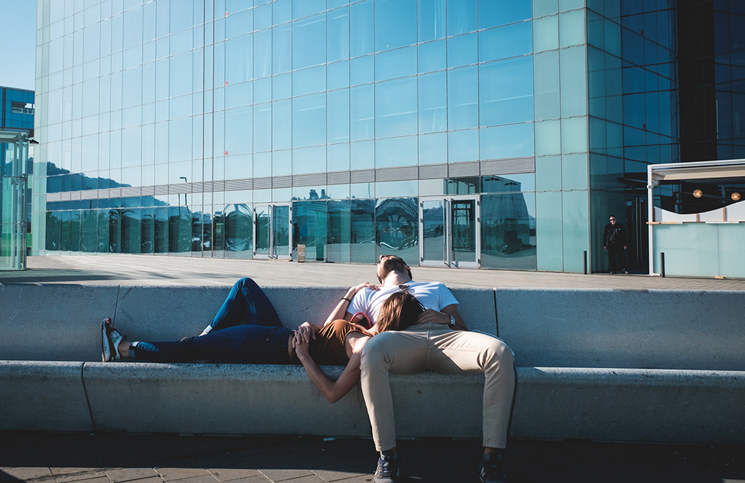 Dormir la siesta mejora tu salud, revela estudio