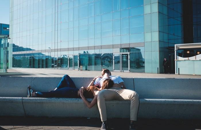 Dormir la siesta mejora tu salud y la productividad, revela estudio