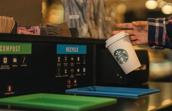 Vasos compostables Starbucks en Wokii