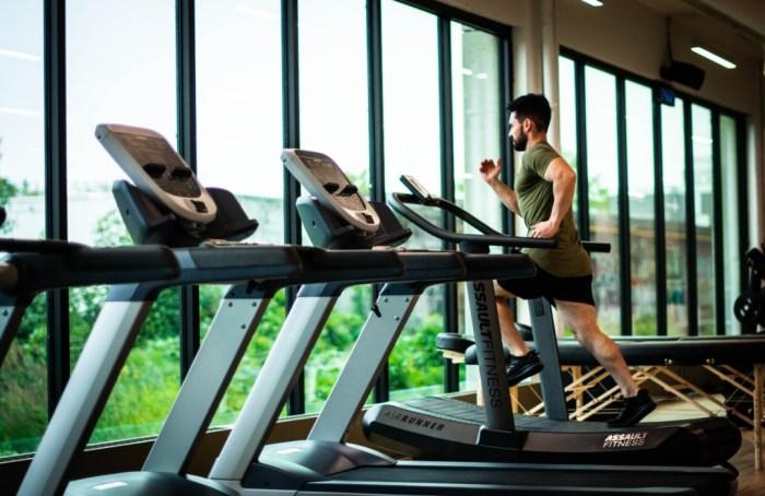 Estudio revela que ir al gym no aumentaría el riesgo de coronavirus