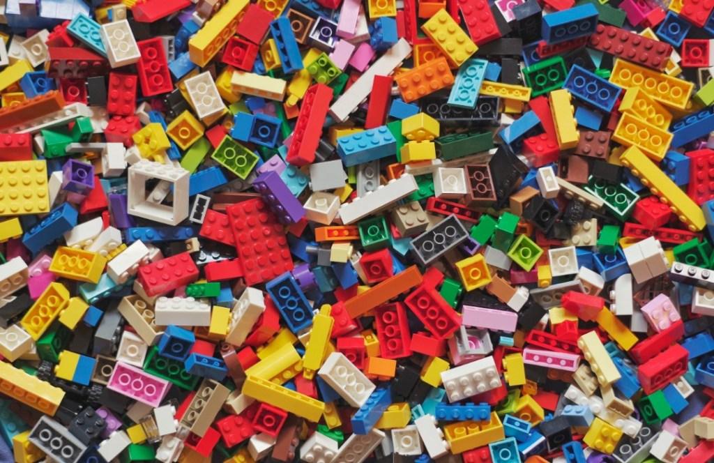 """Médicos reparan huesos rotos con """"Legos"""""""