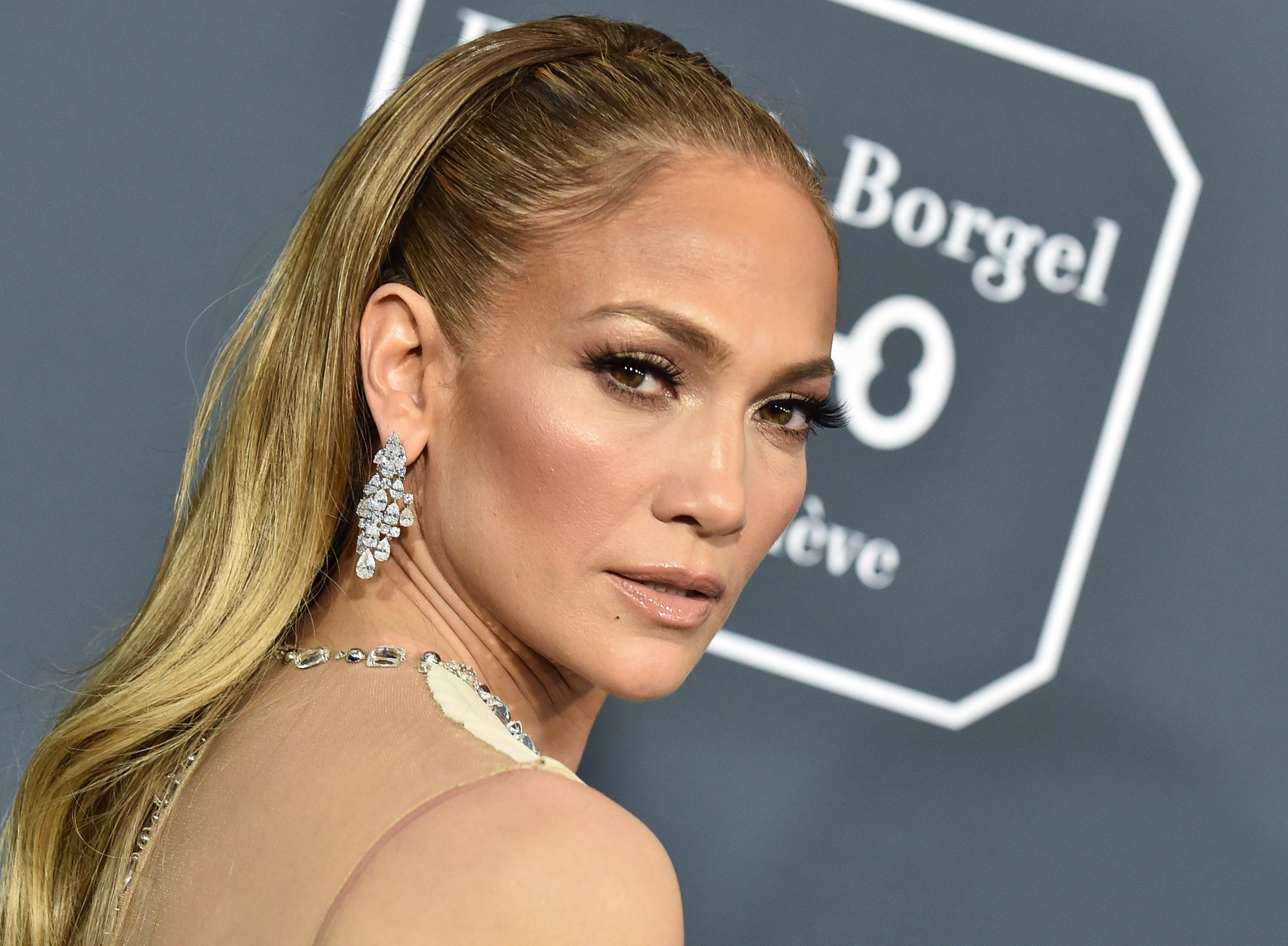 Jennifer Lopez promueve documental protagonizado por su sobrino transgénero