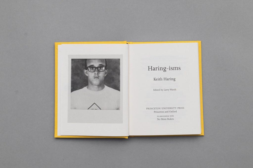 Ponte de buenas con este libro con frases de Keith Haring