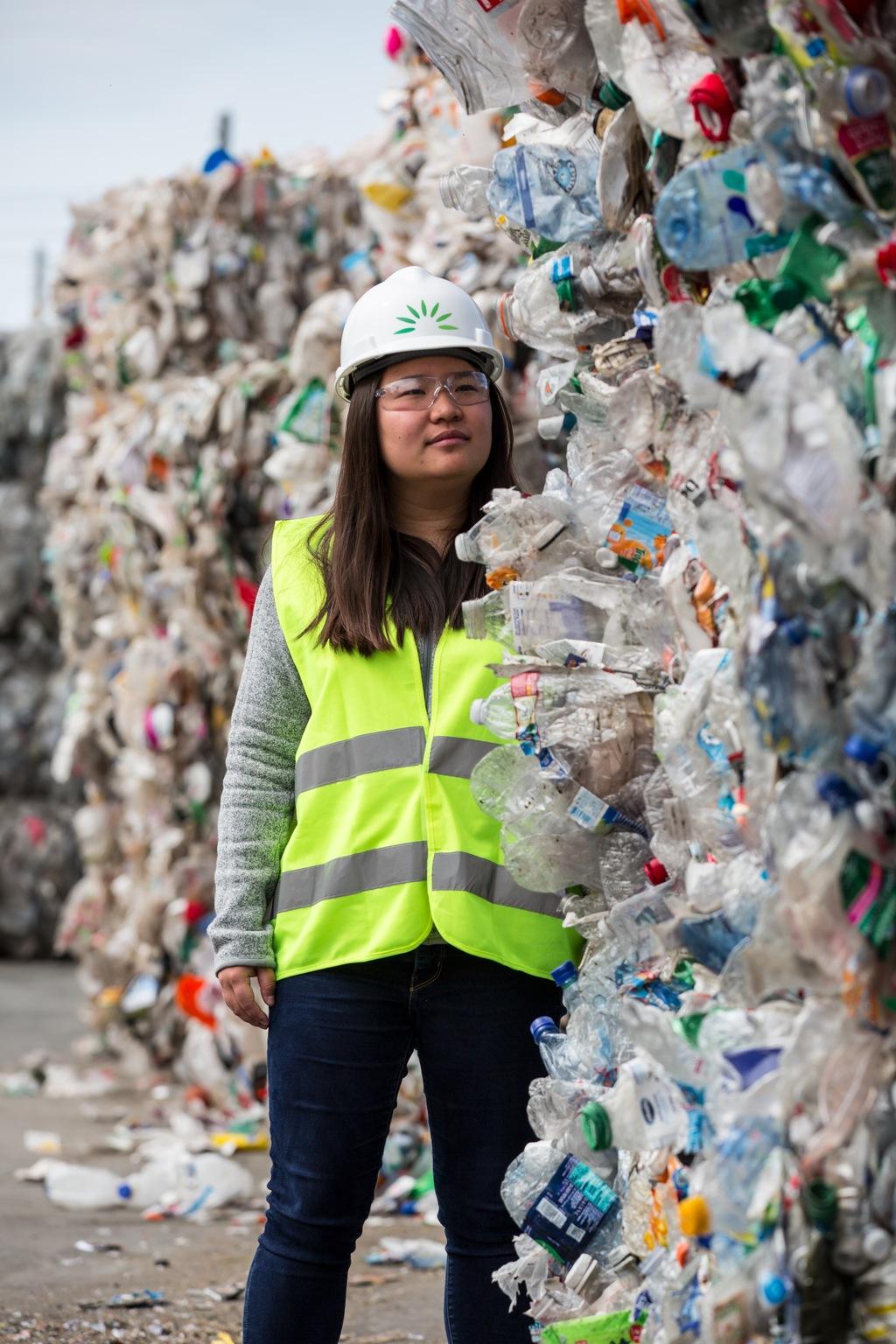 Convierten el plástico no reciclable en materia prima sustentable
