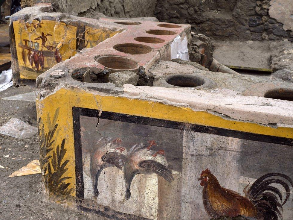 Hallan restaurante de comida rápida en ¡Pompeya!