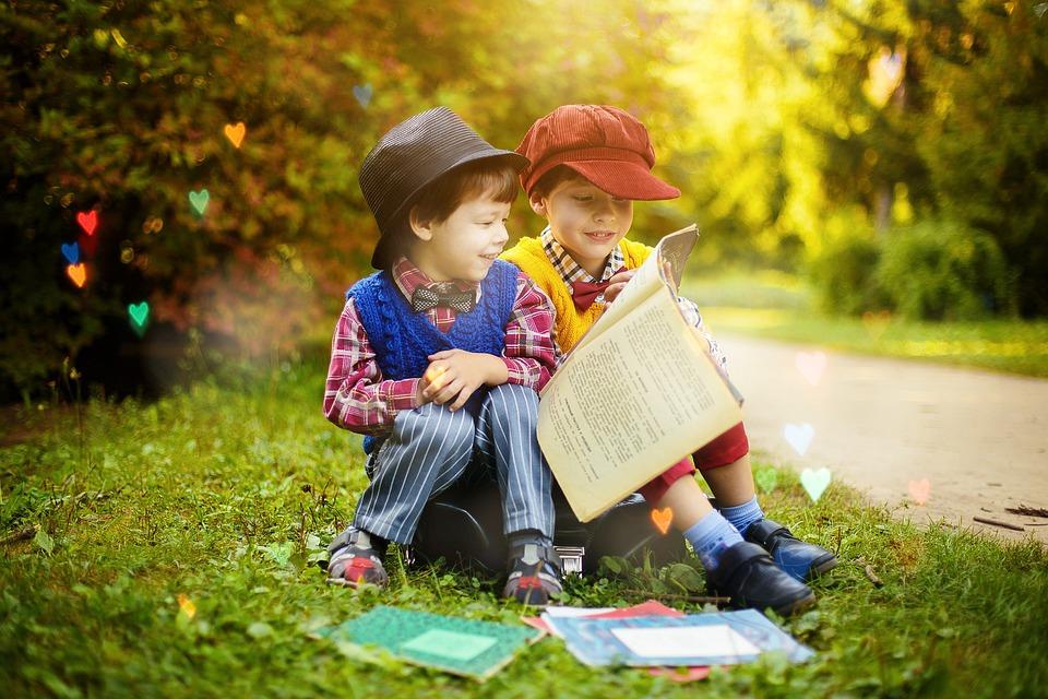 5 libros que puedes (y debes)  leer con tus hijos este mes