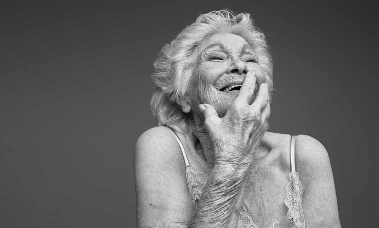 Esta campaña celebra el amor y el erotismo entre personas mayores