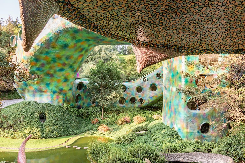 Parque de Quetzalcóatl, la posibilidad de dormir dentro de una serpiente