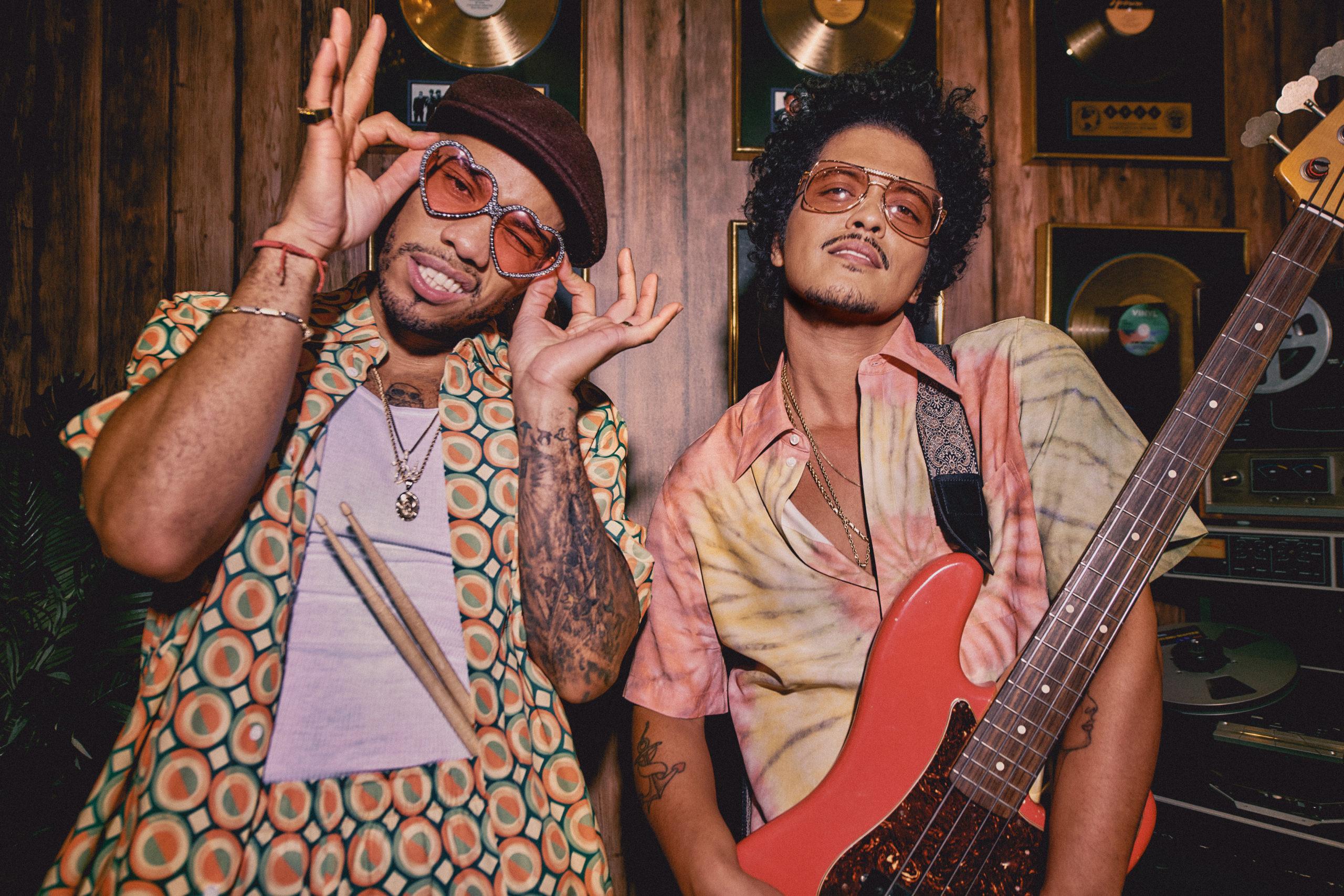 ¿Por qué todos amamos al multipremiado Bruno Mars?