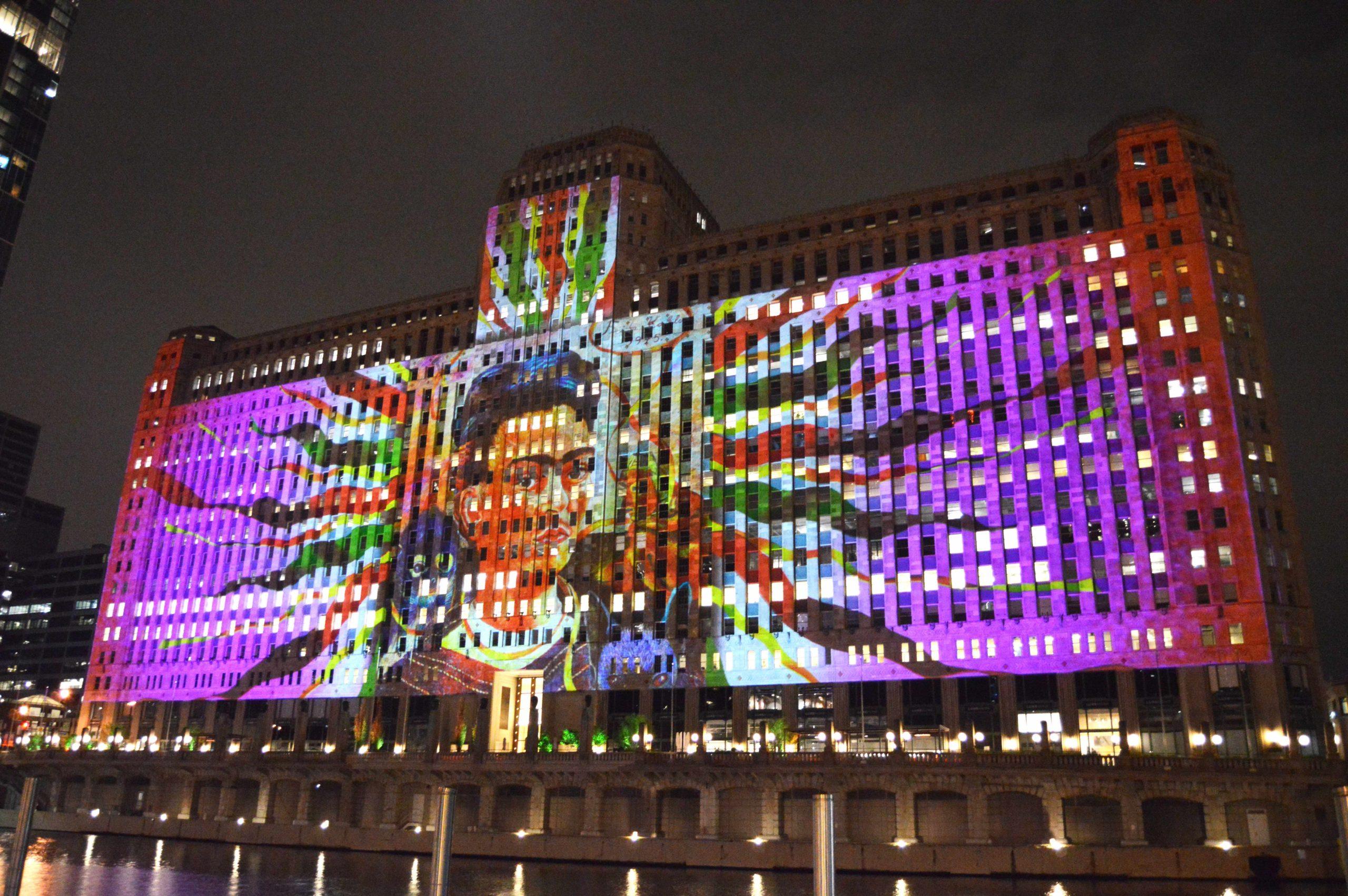 Chicago homenajea Frida Kahlo con un espectáculo de luces