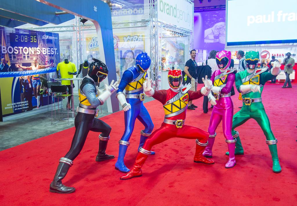 Vacunen a los que les encantará esta noticia: lanzan tenis edición especial Power Rangers