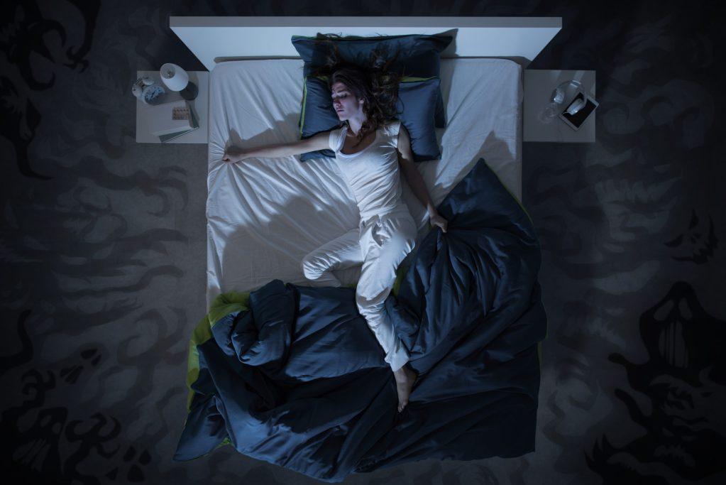 ¿Es normal sudar demasiado al dormir? Tienes que leer esto