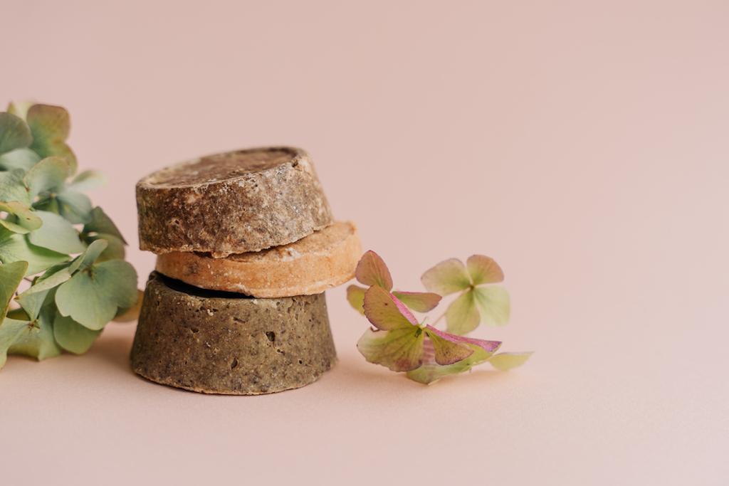 Belleza sustentable: beneficios ecológicos de los productos en barra