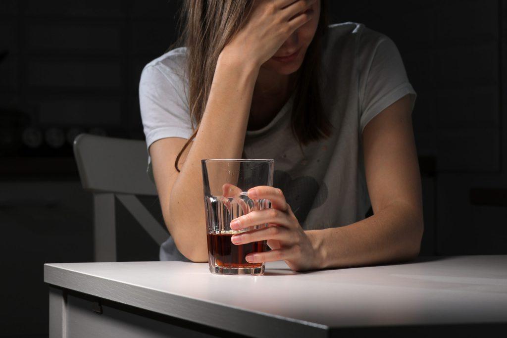 ¿Cuáles son los efectos del consumo de alcohol en nuestra memoria?