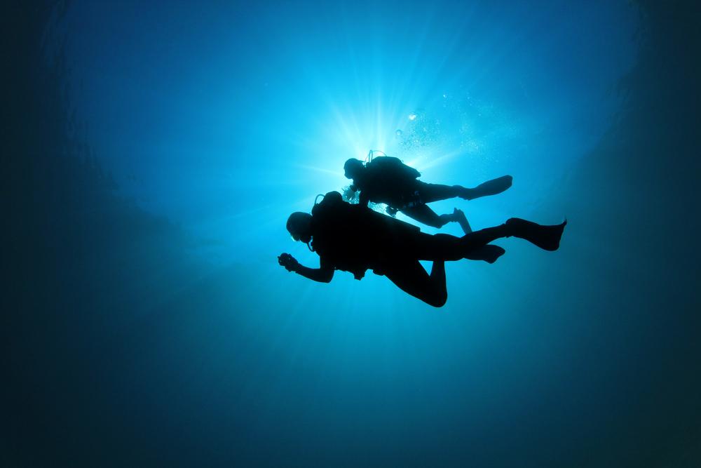 Conoce Deep Dive Dubai, la piscina de buceo más profunda del mundo