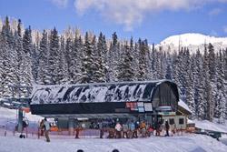 Raven ski lift