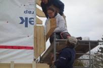 Screwing the steel braces