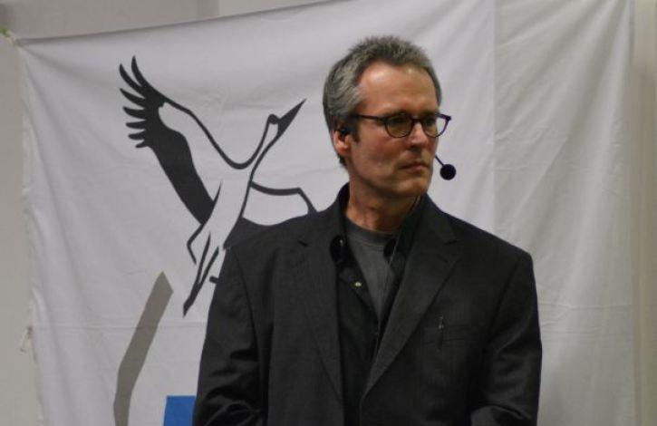 Moderator Rainer Comfere (Foto: Vogler)