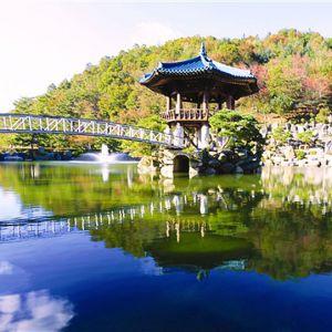 The lake gazebo in Wolmyeongdong during spring