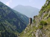 Jedna z dawnych wież obronnych gruzińskiego pogranicza. Gruzini nigdy nie mieli lekko ze swoimi sąsiadami.