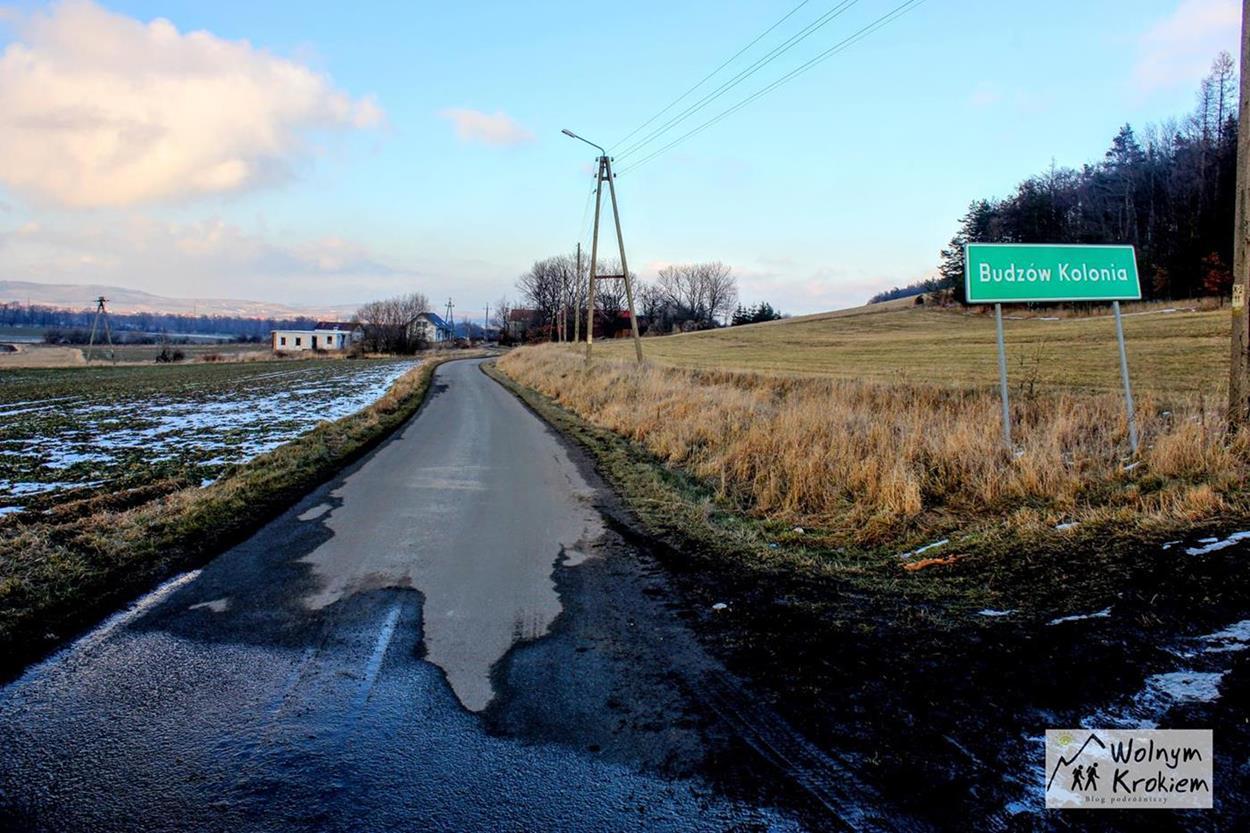 Początek szlaku na Brzeźnicę w Sudetach
